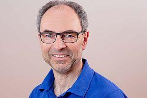 Zahntechnikermeister Bernd Oeser (Geschäftsführung)